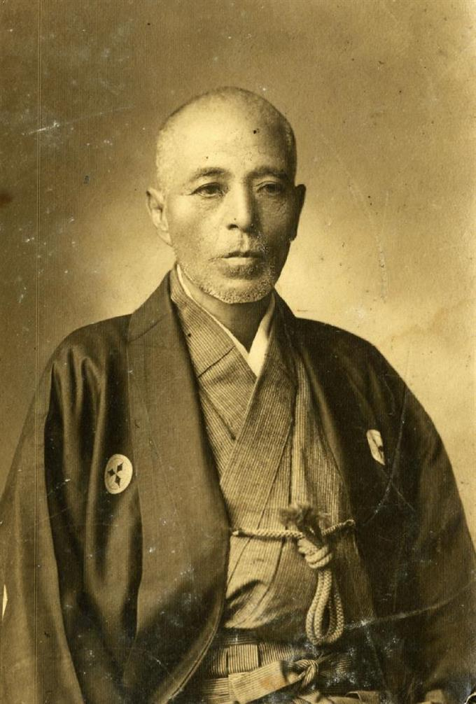 De Minoru Nakaguro - 藤田五郎の子孫, Dominio público, https://commons.wikimedia.org/w/index.php?curid=50155746